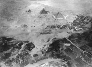 Piramidi di Giza, Egitto, Fotografate da un pallone da circa 600 metri dal suolo da Eduard Spelterini 1904