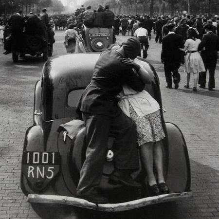 La liberazione di Parigi, 1944. Foto di Robert Doisneau