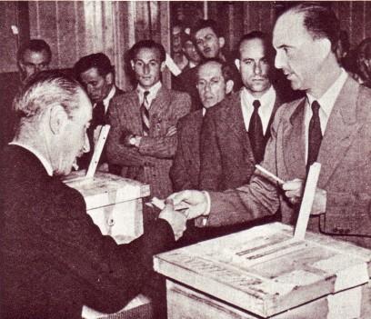 Umberto II si reca a votare il 2 giugno 1946 per il referendum istituzionale