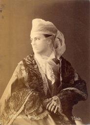 Donna velata turca, 1880. Fotografia originale di Pascal Sebah