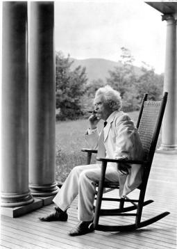"""""""Il segreto del successo è di fare della vostra vocazione la vostra vacanza."""" - Mark Twain"""