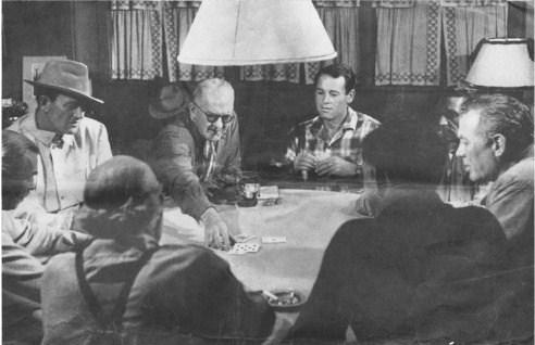 Una rara immagine di John Wayne, John Ford, Henry Fonda e Ward Bond che giocano a carte