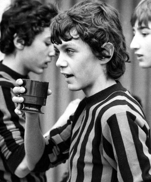 Un giovane Paolo Maldini quando era al Milan Academy