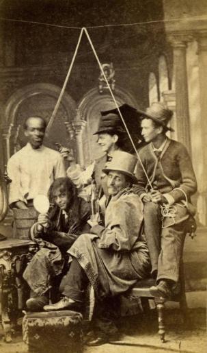 Un gruppo teatrale amatoriale che presenta un linciaggio finto a Nashville, Tennessee, 1880