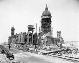City Hall e The Majestic Theater, San Francisco dopo il terremoto del 1906
