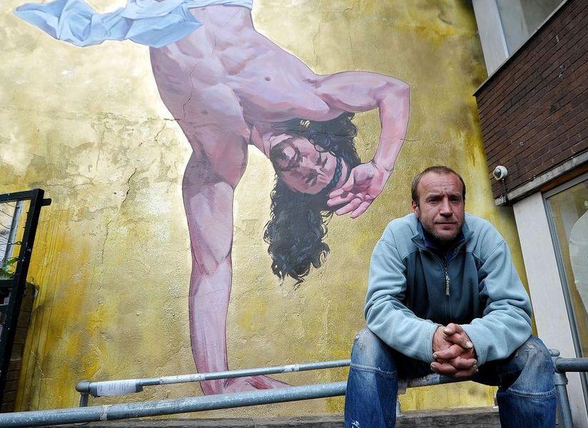 """Breakdancing Jesus""dell'artista ingleseCosmo Sarson"