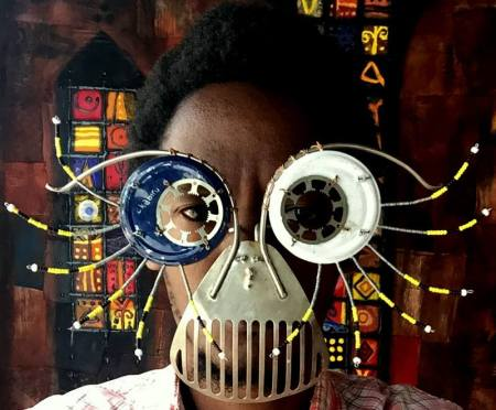 Opera dell'artista kenyanoCyrus Kabiru
