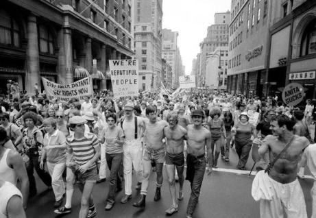Marcia per i diritti gay, New York, Fifth Avenue, 27 giu 1977