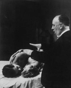 Hitchcock dirige una scena d'amore in Psycho