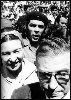 Jean-Paul Sartre, Simone de Beauvoir e Che Guevara a Cuba, 1960. Foto di Alberto Korda