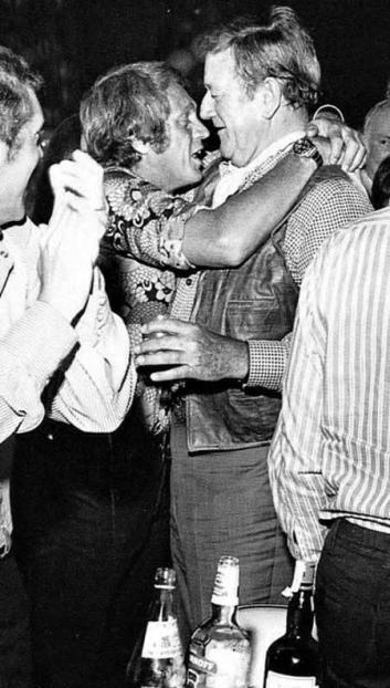 McQueen ubriaco aggrappato a The Duke, 1970