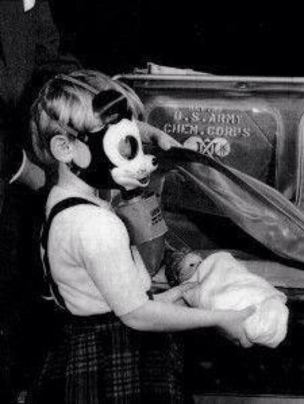 Maschera antigas di Topolino. 1942