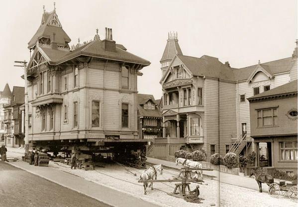 Spostamento di una casa con cavalli da tiro. San Francisco, 1908