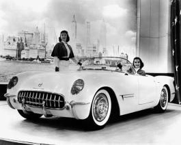 La prima Chevrolet Corvette Corvette, costruita presso lo stabilimento General Motors a Flint, Michigan
