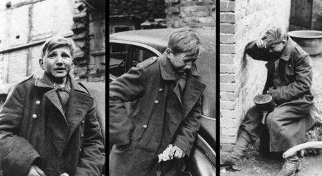 La reazione di un soldato tedesco di 16 anni dopo essere stato catturato dalle forze statunitensi nel 1945. (AP Photo)