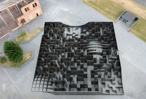 Gijs Van Vaerenbergh - Labyrinth – an exhibition of boolean voids