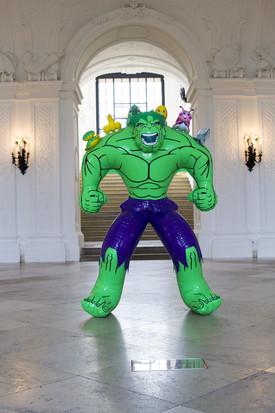 Hulk (Friends) di Jeff Koons