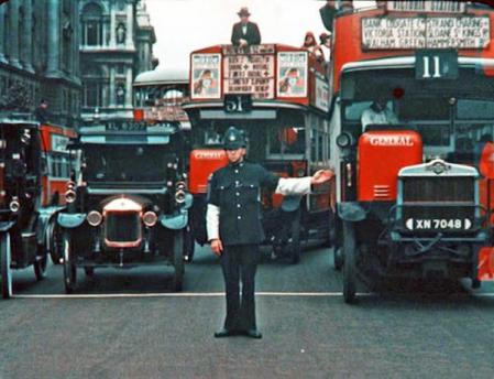 Londra a colori nel 1920