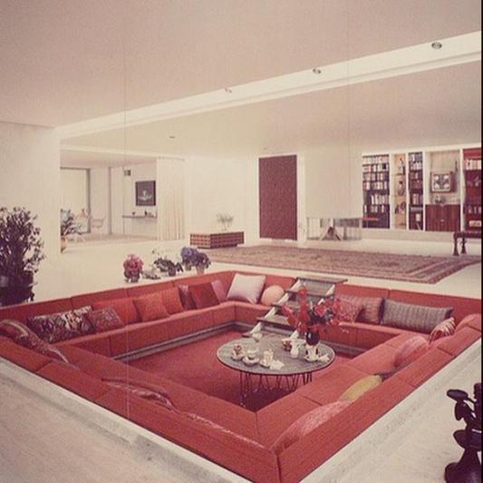"""Un """"salotto da conversazione"""" negli anni '60"""