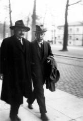 Albert Einstein e Niels Bohr