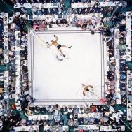 Vista dall'alto di Muhammad Ali dopo aver atterrato Cleveland Williams, 1966