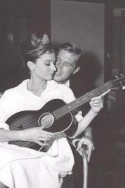 Audrey e George dietro le quinte sul set di Colazione da Tiffany