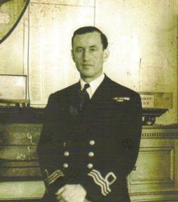 Il Comandante Ian Fleming, autore dei romanzi di spionaggio di James Bond, scattata durante la Seconda Guerra Mondiale