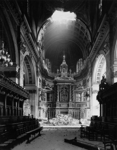 Danni alla Cattedrale di St. Paul durante The Blitz 1940