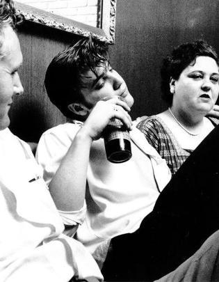 Elvis coi suoi genitori