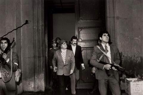 L'ex presidente Salvador Allende prima della sua morte durante il colpo di stato in Cile, 1973