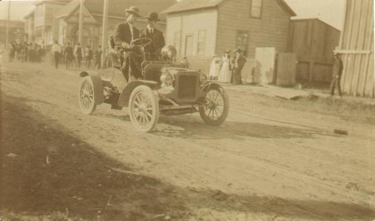 Prima auto a Crescent City, California, 1905