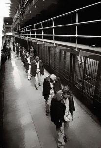 Gli ultimi prigionieri lasciano Alcatraz, nel 1963