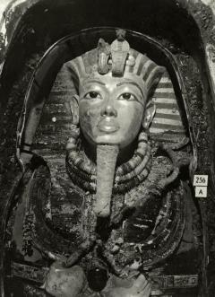 Sarcofago di Tutankhamon, 1926, Foto di Harry Burton