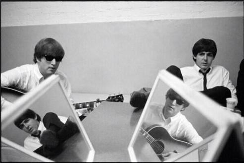 John Lennon e Paul McCartney, 1964. Fotografía di Curt Gunther