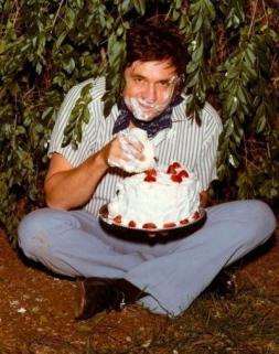 Johnny Cash mangia una torta, 1971