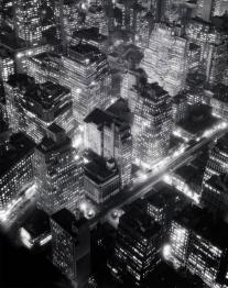 New York City di notte, 1934, foto di Berenice Abbott