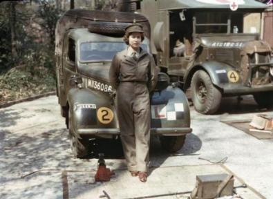 La regina Elisabetta durante la prima guerra mondiale