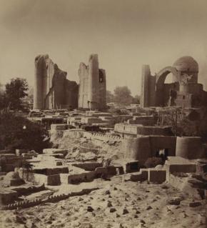 Le rovine dell'antica Samarcanda, Uzbekistan, tra cui il sito della moschea Bibi Khanym, intorno al 1865-1872