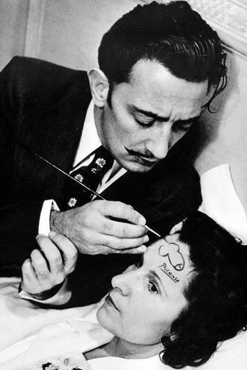 Salvador Dali - non prendo droghe, IO SONO la droga