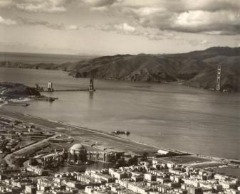 San Francisco durante la costruzione del Golden Gate Bridge marzo 1935