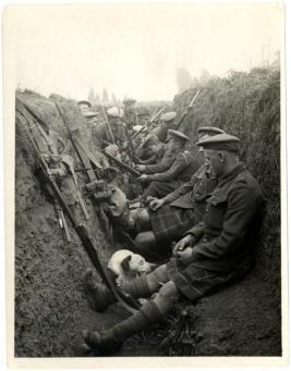 Seaforth Highlanders in una trincea, 5 Agosto 1915