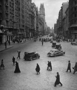 Spagna. La Gran Vía, Madrid, 1945