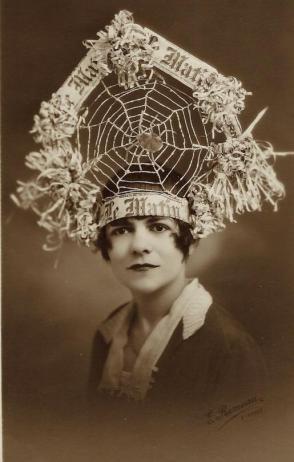 Spider-woman. 1916