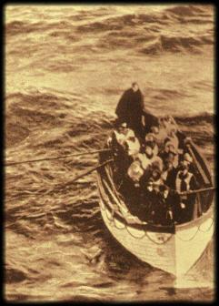 I sopravvissuti del Titanic sulle scialuppe del Carpathia 1912
