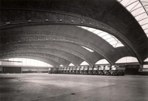 Il garage modernista per sub a Stockwell, Londra