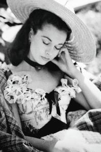 Vivien Leigh si riposa sul set di Via col vento, 1939