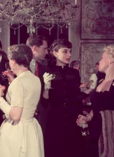 Audrey Hepburn a una festa in onore del suo ritorno a Londra dopo le riprese di Vacanze Romane, 1953