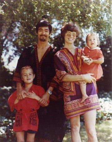 Bruce Lee e la sua famiglia alla fine degli anni '60