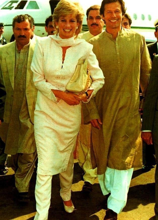 Foto famosa di Imran Khan e la Principessa Diana durante la sua visita privata in Pakistan