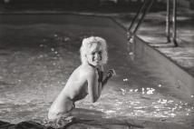 Marilyn Monroe sul set di Tutto può succedere, 1962. Fotografia di Lawrence Schiller